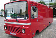 Beaten Catering Bus Oldtimer