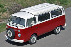 VW T2b Camping Bus Oldtimer