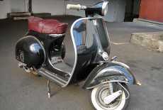oldtimer vespa roller von 1960 mieten 7460 film. Black Bedroom Furniture Sets. Home Design Ideas