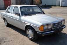 Mercedes-Benz W123 230 E
