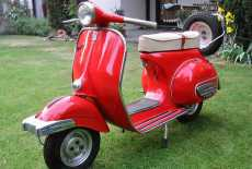 oldtimer vespa 125 2 von 1961 mieten 8792 film. Black Bedroom Furniture Sets. Home Design Ideas