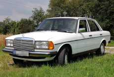 Mercedes-Benz 200D W123