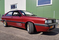 oldtimer audi urquattro von 1983 mieten 1355 film. Black Bedroom Furniture Sets. Home Design Ideas