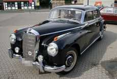 Mercedes-Benz 300 C Adenauer