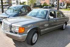 Mercedes-Benz 560 SEL