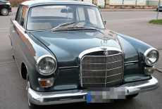 Mercedes-Benz 200 D Heckflosse