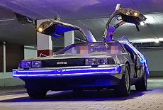 DeLorean DMC-12 mit optionalem Zeitmaschinen-Heckaufbau