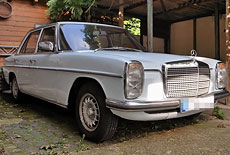 Mercedes-Benz W115 200D Strich-Acht