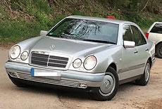 Mercedes-Benz W210 E 240