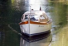 AMS Hamburger Tuckerboot 675