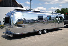 Airstream Land Yacht 72