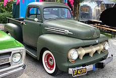 Ford F1 Custom Pickup